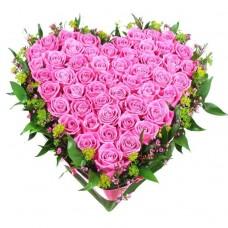 Венок в виде сердца из живых цветов ВСЖ-17