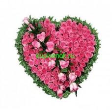 Венок в виде сердца из живых цветов ВСЖ-30
