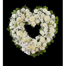 Венок в виде сердца из живых цветов ВСЖ-21
