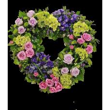 Венок в виде сердца из живых цветов ВСЖ-05