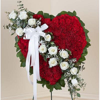 Венок из искусственных цветов в виде сердца
