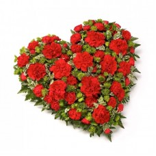 Венок в виде сердца из живых цветов ВСЖ-32